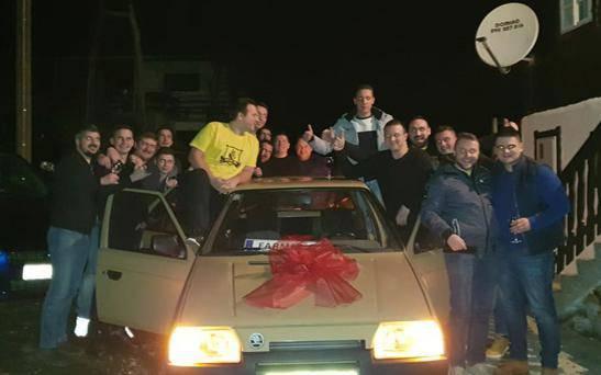 Prijatelju za rođendan kupili auto: 'Znali su da volim Škode'