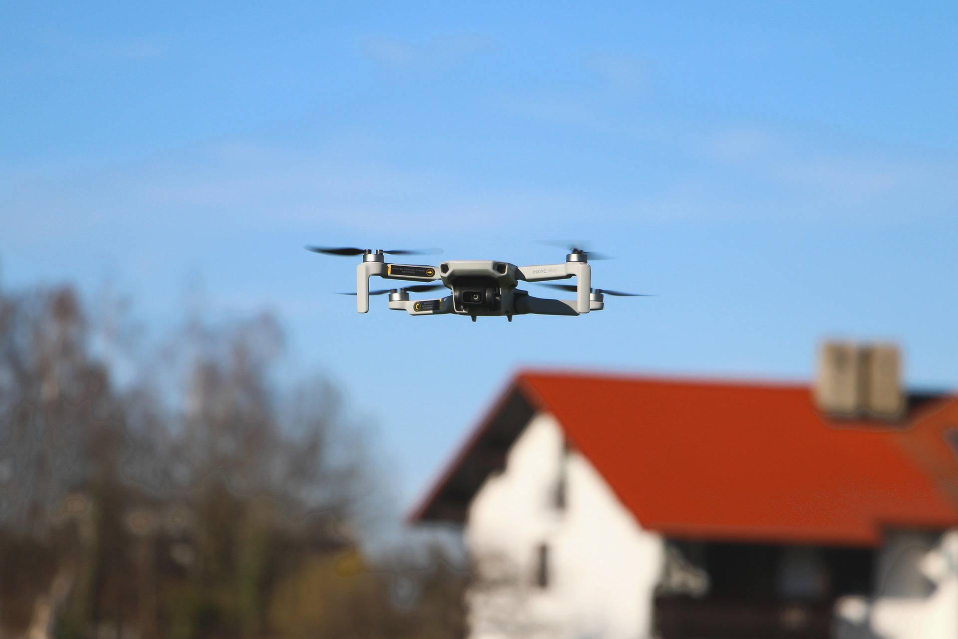Kršili mjere Stožera: Dron ih snimio kako igraju nogomet