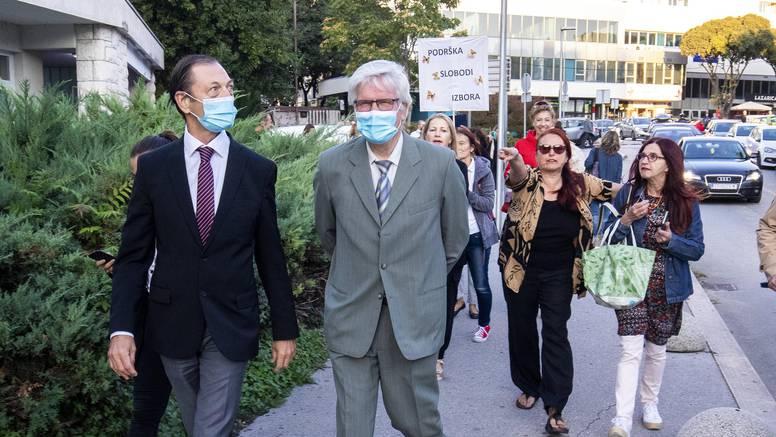 Sramota u Splitu: Neke doktore hvatali za ruke, policija počela istraživati tko je organizator
