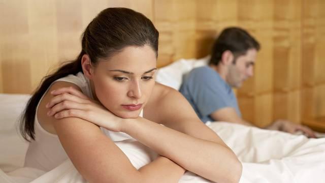 Pet razloga zašto ste tužni u novoj vezi: Mislite na bivšeg, uspoređujete partnera s njim...