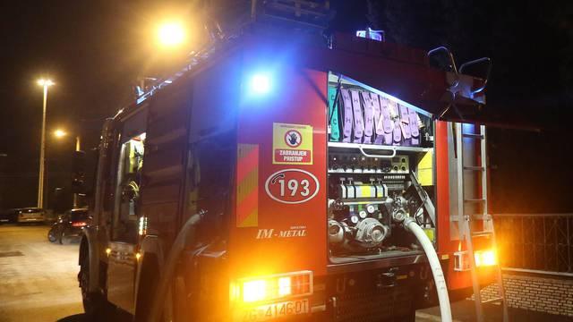Zagreb: Policija iz požara kuće izvukla jednu osobu