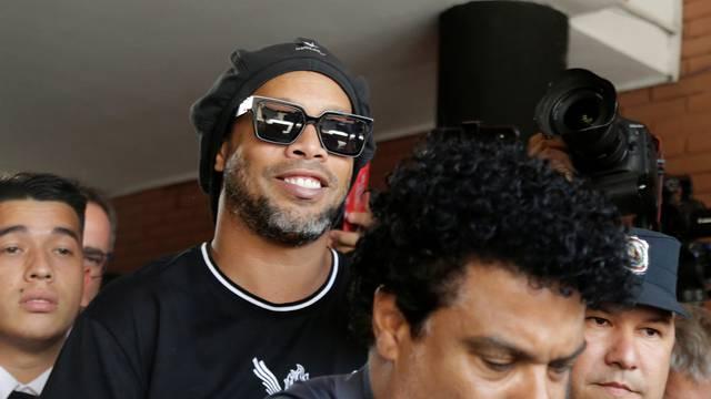 Ronaldinho - pušten na slobodu poslije pola godine u Paragvaju