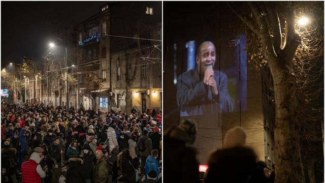 Stotine se okupilo u Beogradu, gledali isječke Džejeva nastupa