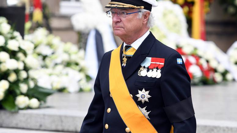 Švedski kralj  ukinuo kraljevski status za petero svojih unuka