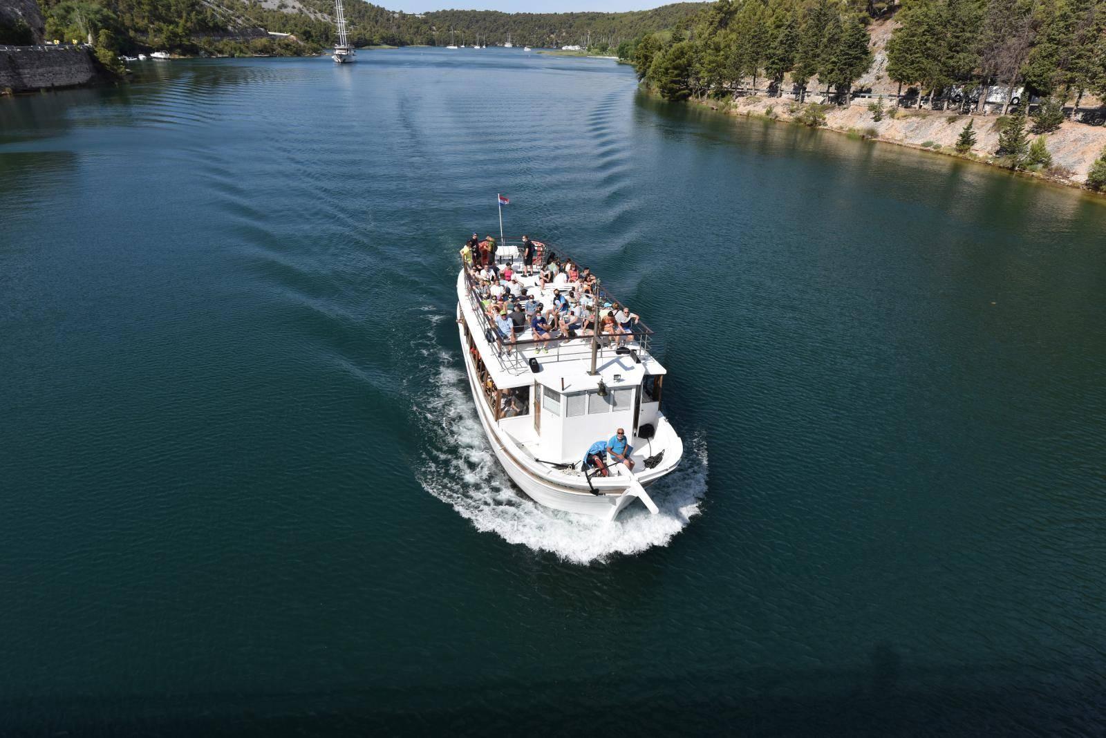 Brodski obilazak Nacionalnog parka Krka oduševio je turiste