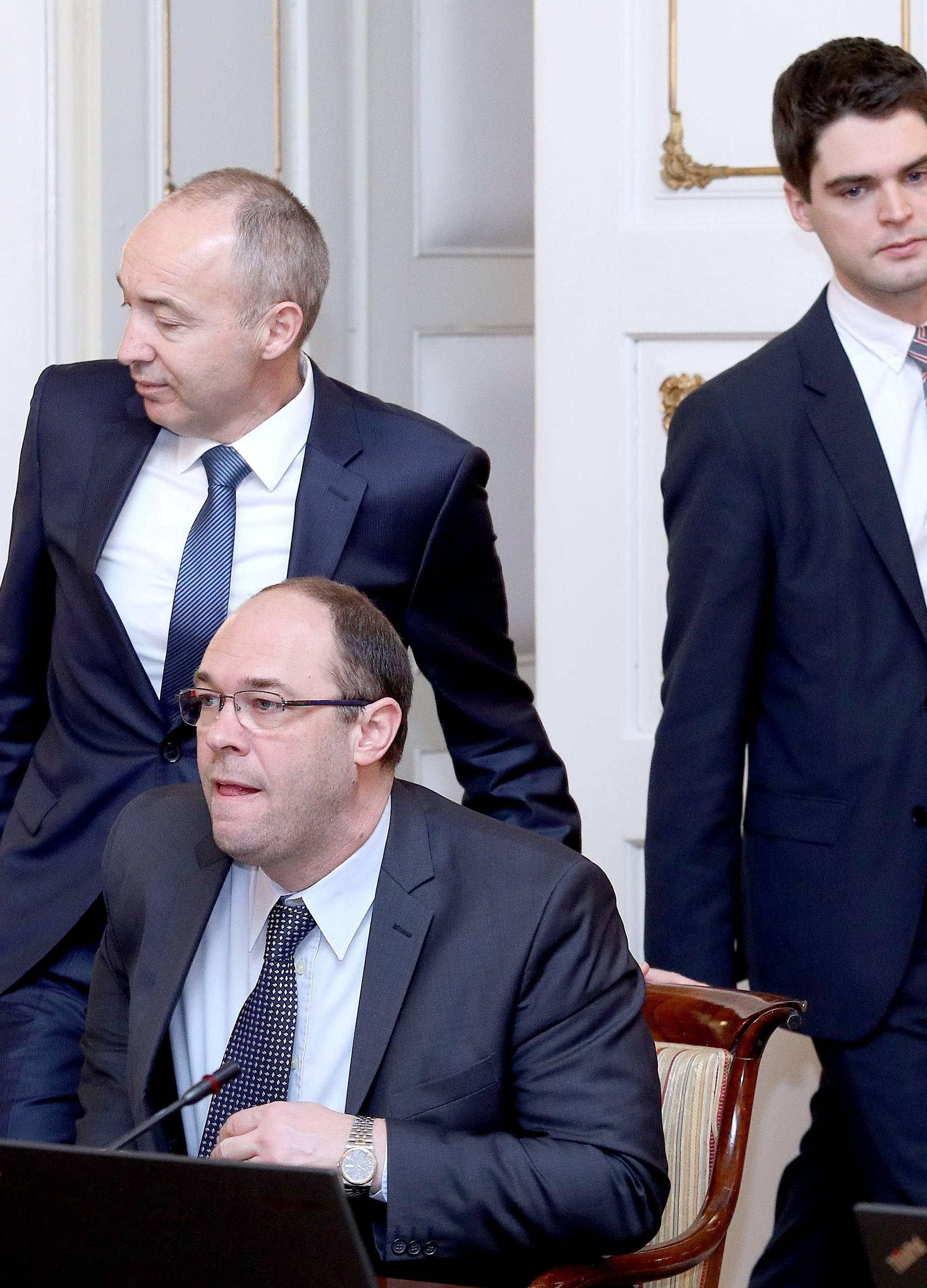 Plenković potvrdio da Šeksov posinak piše novi statut HDZ-a