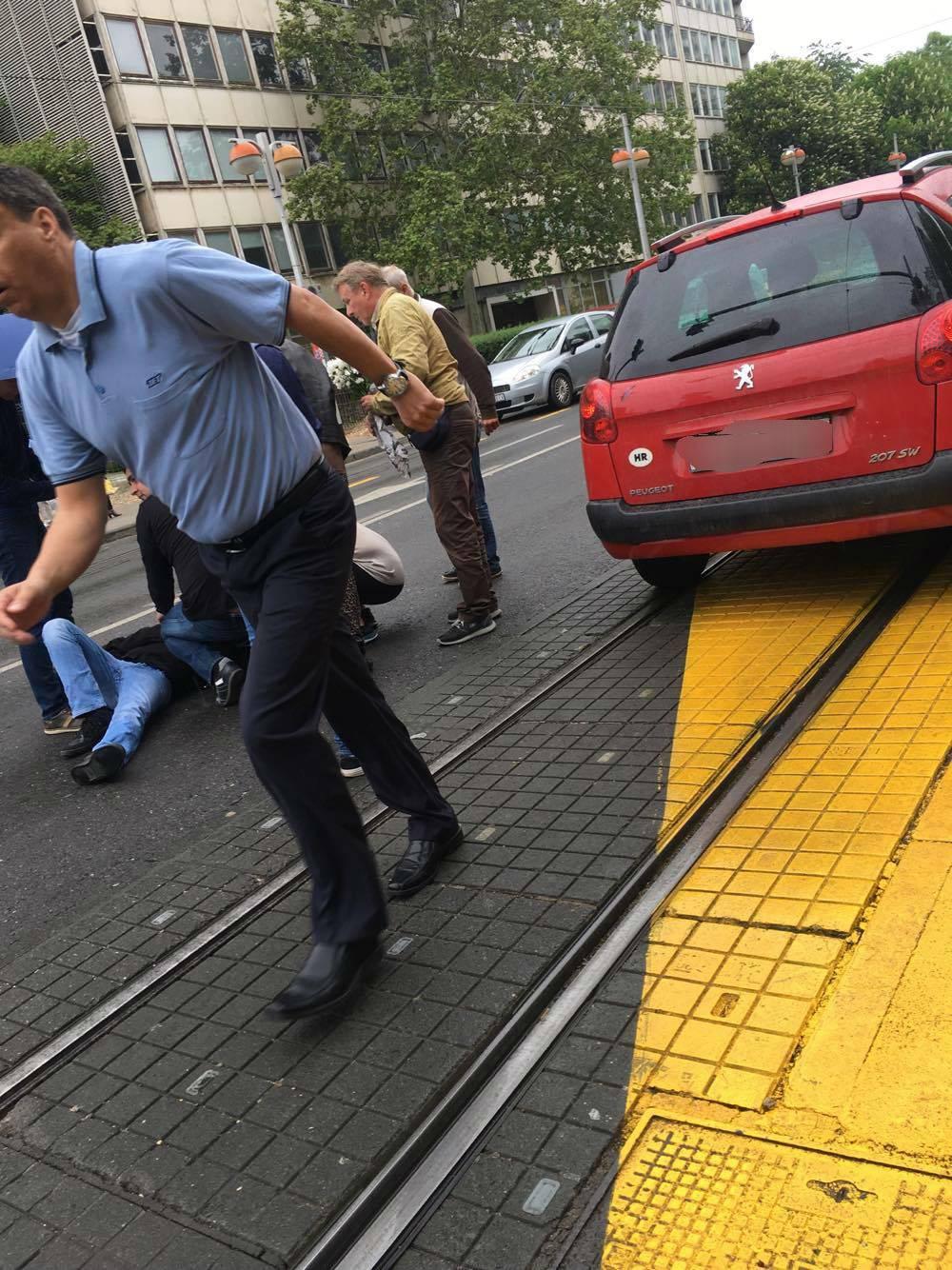 Prometna nesreća na Savskoj: Automobil naletio na pješaka