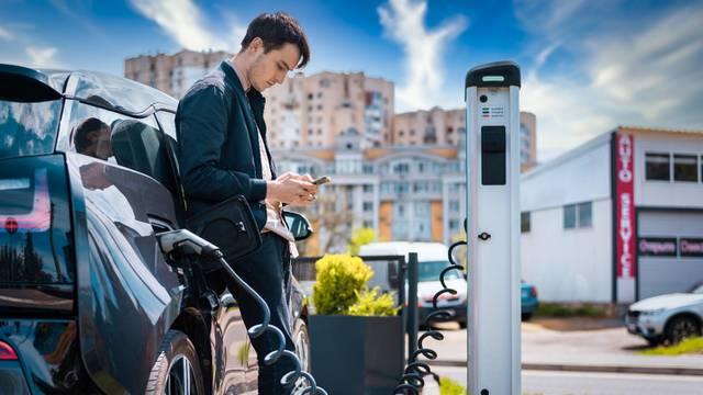 Zanimaju vas električna vozila? Sada možete trgovati cijenom njihovih dionica