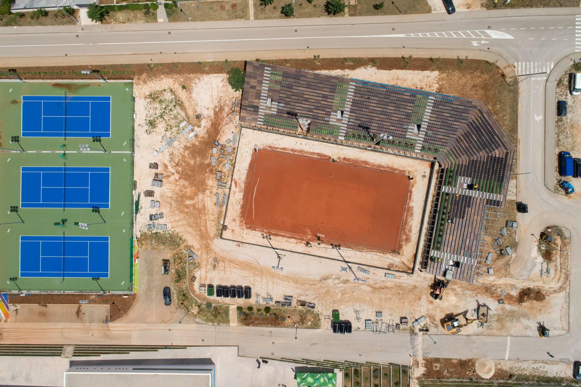 Zadar: Pogled iz zraka na radove montažne tribine na Višnjiku