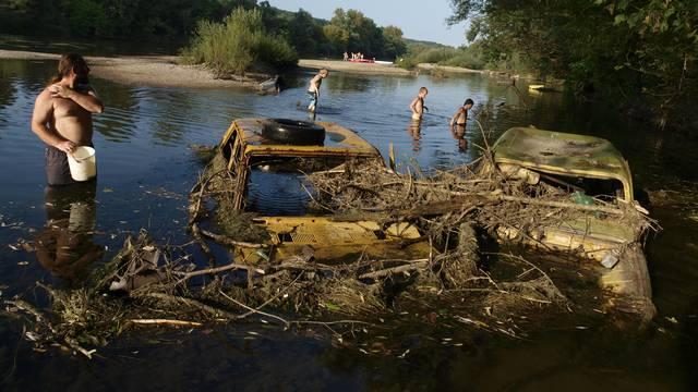 'Do sada smo iz prirode izvukli 16.000 automobilskih olupina'