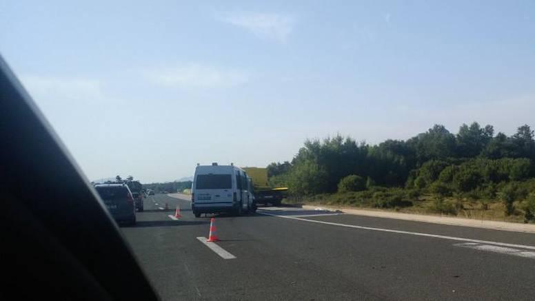 U sudaru na A1 kod Macole nekoliko ozlijeđenih, jedan teže
