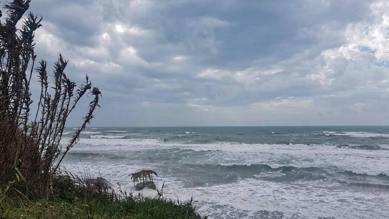Obilne kiše i vjetrovi u Aziji: Ciklon Bulbul odnio tri života
