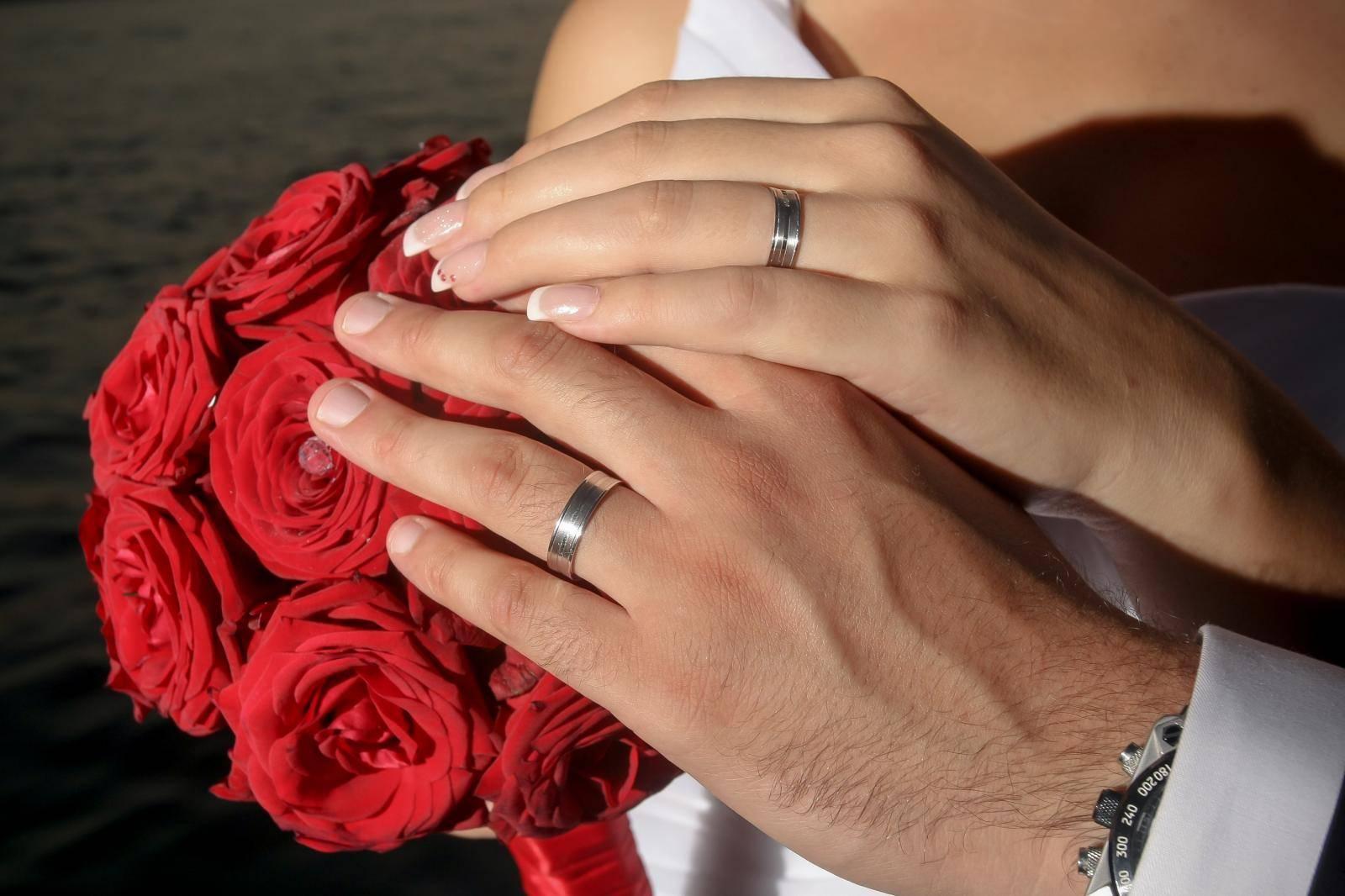 Ovo je razlog zašto se vjenčani prsten nosi  na četvrtom prstu
