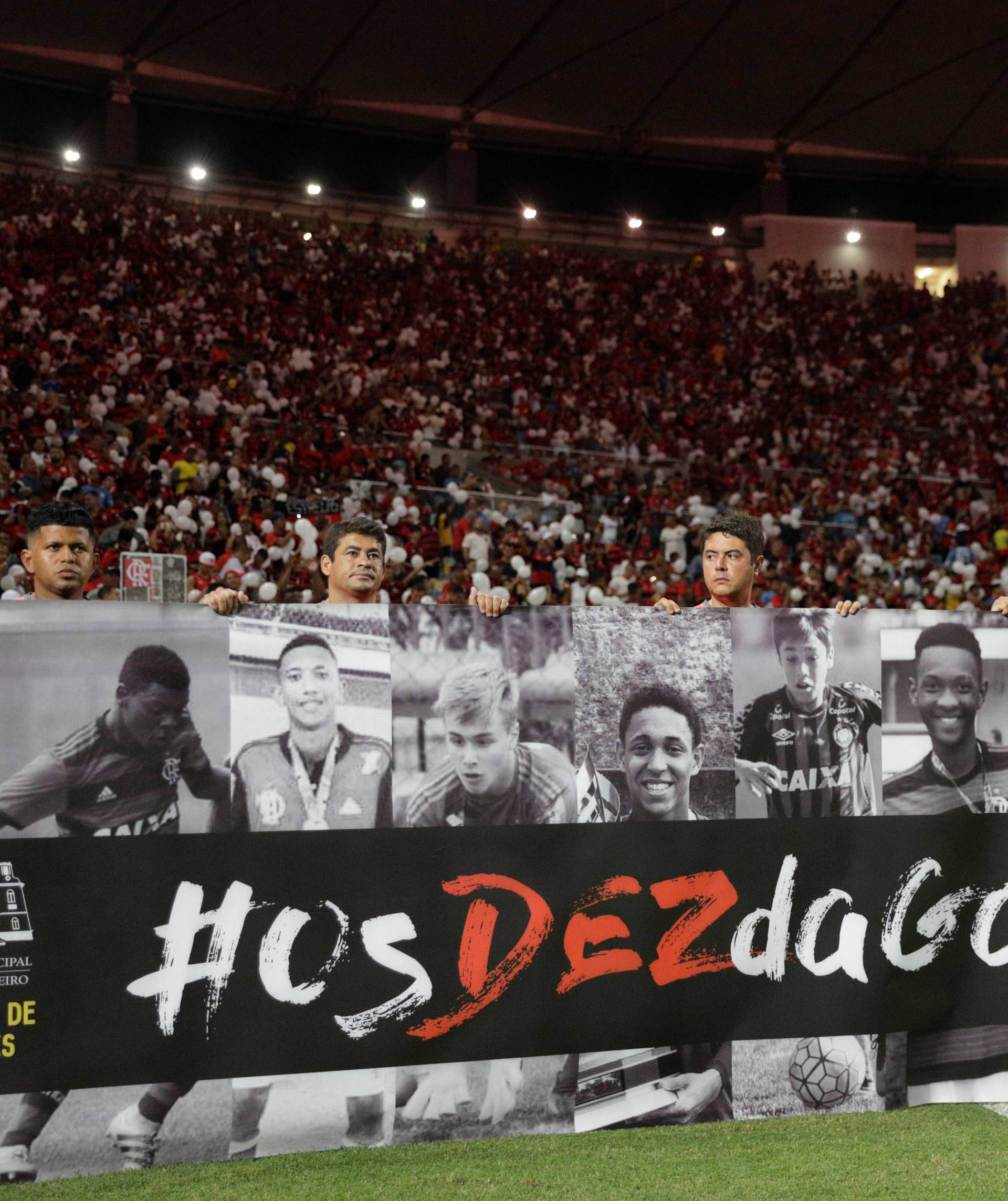 Soccer - Taca Guanabara semi-final - Flamengo v Fluminense
