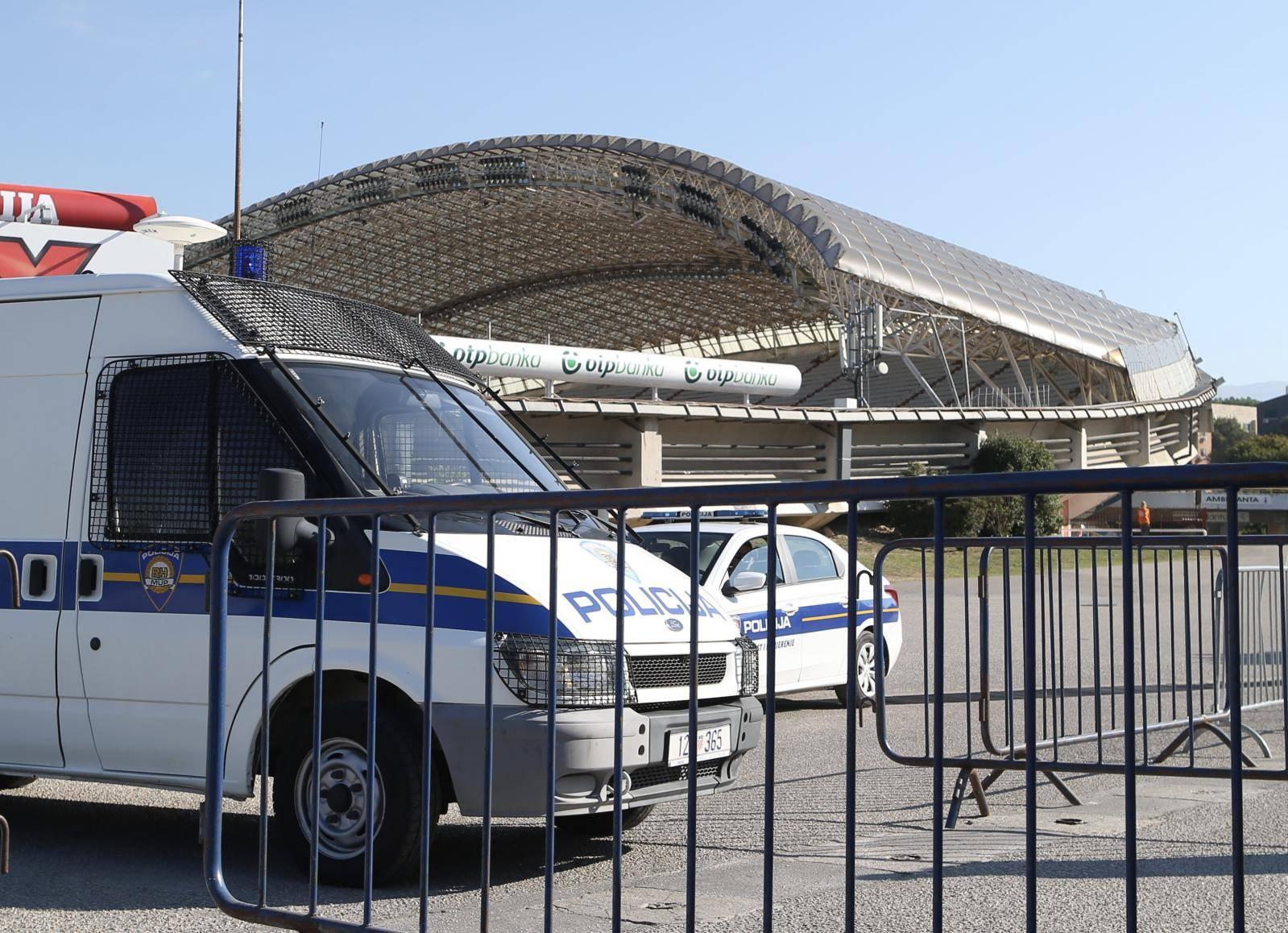 Split: Policija provodi velike mjere sigurnosti uoči utakmice Hrvatska - Mađarska