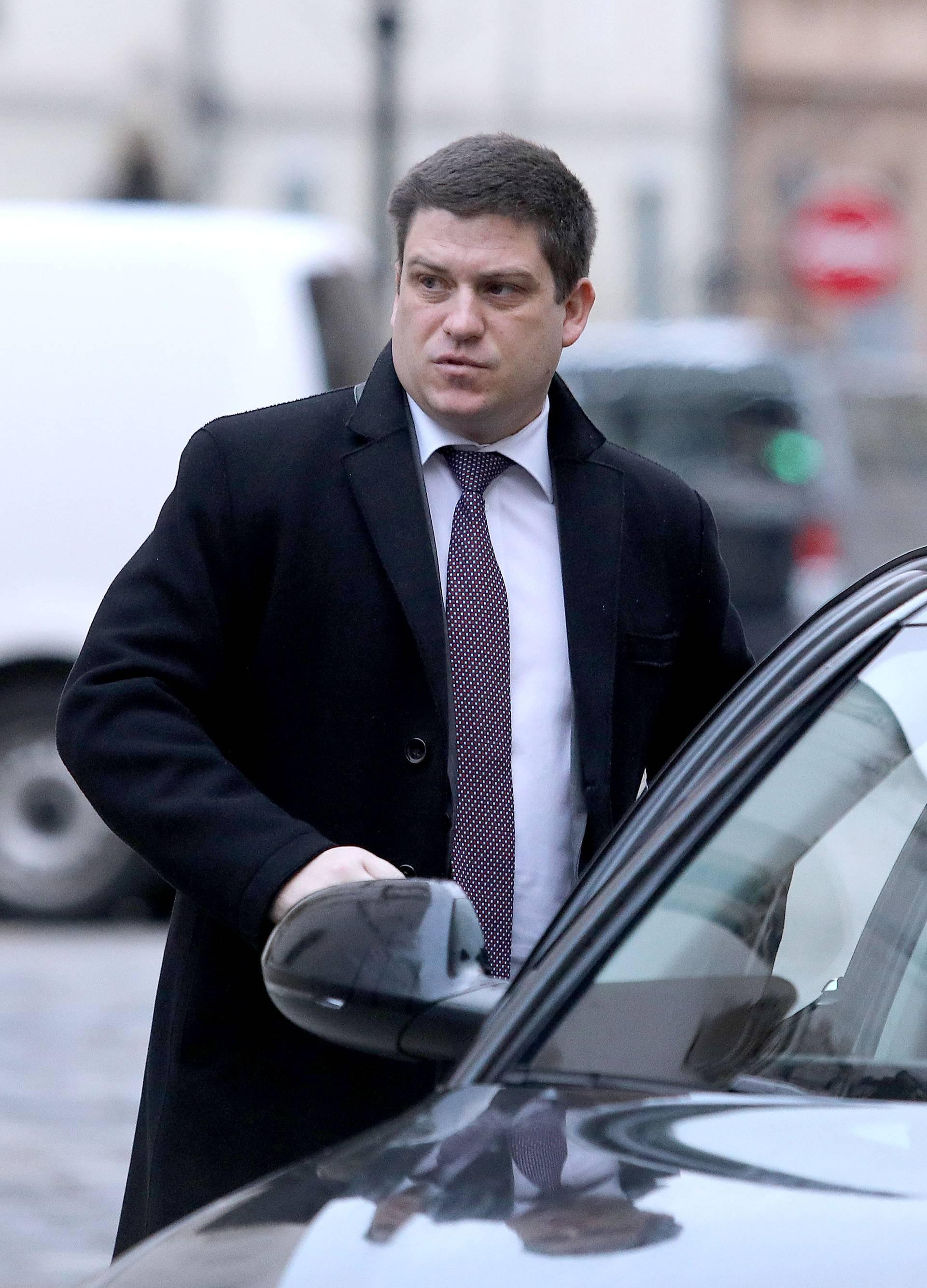 Zagreb: Ministar Butković dolazi na sjednicu Vlade