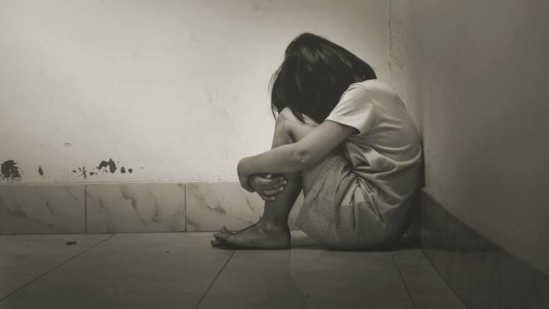 Šokantan slučaj iz Hrvatske: Zapustili djecu, jedno je režalo u školi i jelo s poda, živjeli u vlazi