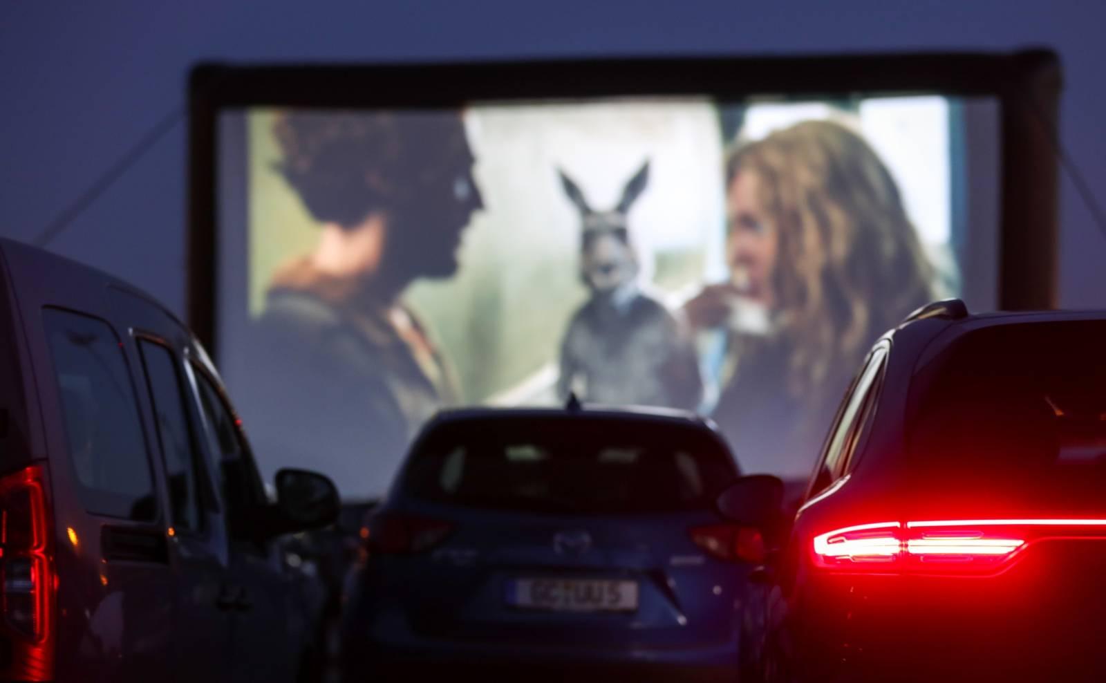 Coronavirus - drive-in cinema