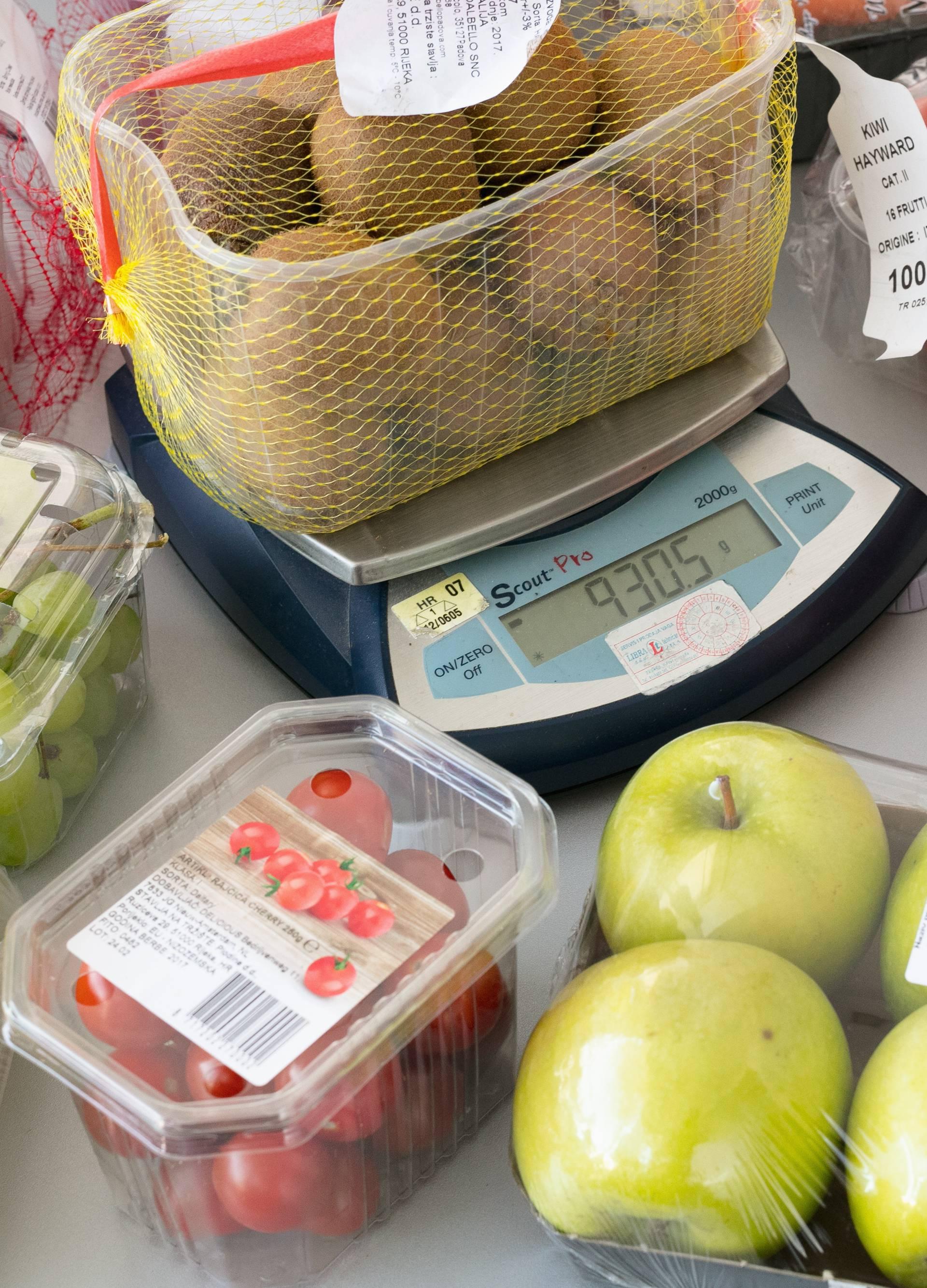 Bolje je vagati sam: Na posudi piše kilogram, ali ima manje...