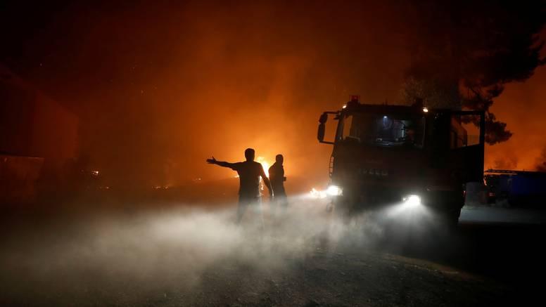 Grci se već treći dan bore s požarima: Spašeno nalazište antičkih Olimpijskih igara
