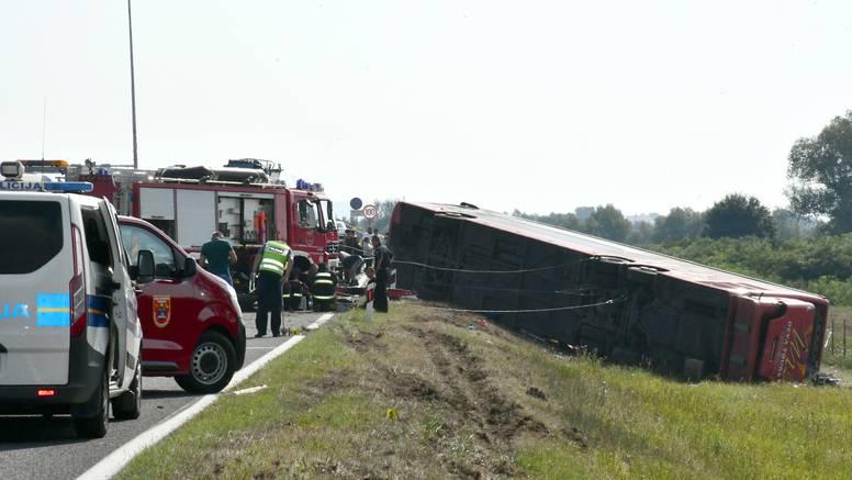 Policija objavila kako je došlo do nesreće u kojoj je preminulo deset ljudi i hospitalizirano 45