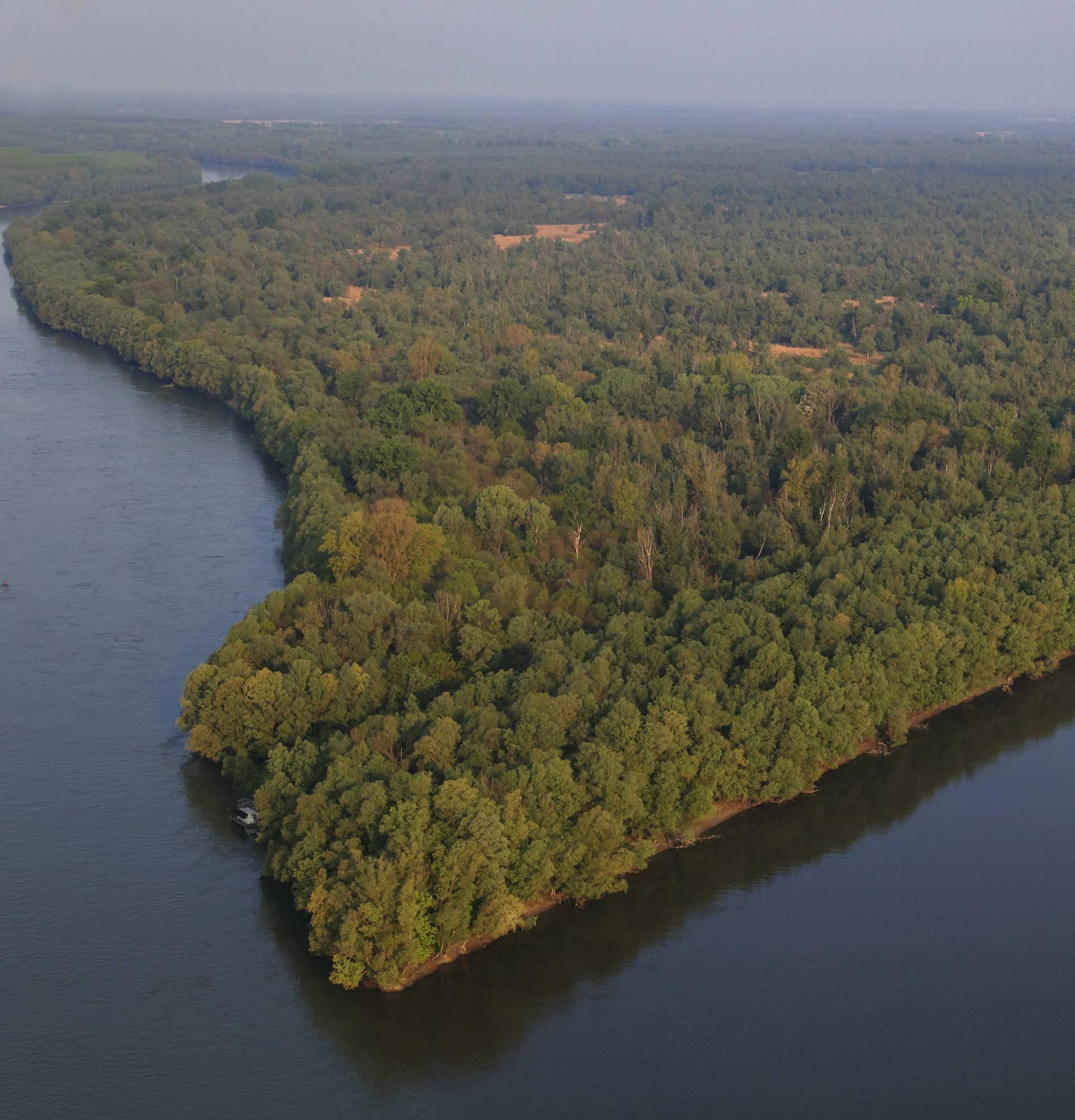 Na obali Dunava kod Aljmaša pronašli tijela muškarca i žene