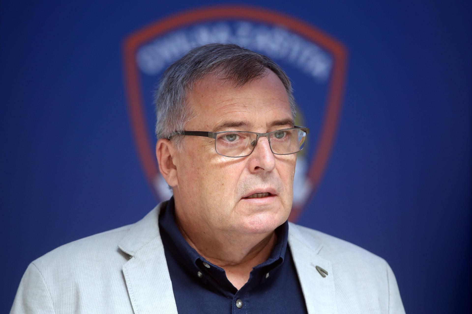 Capak: 'U slučaju da su Janša ili Plenković pozitivni, ovaj drugi bi trebao ići u samoizolaciju'