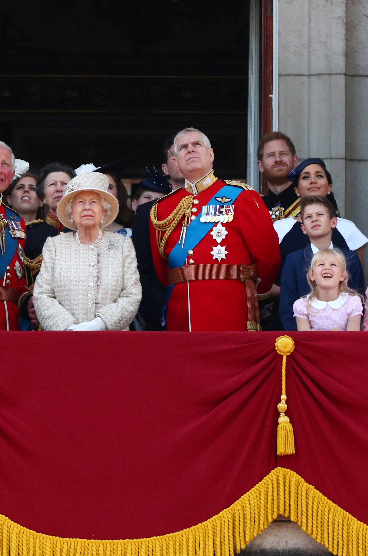 Bizarna pravila kojih se mora pridržavati kraljevska obitelj...