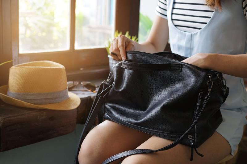 U svojoj torbi nikako ne nosite šifre, laptop, kišobran, račune...