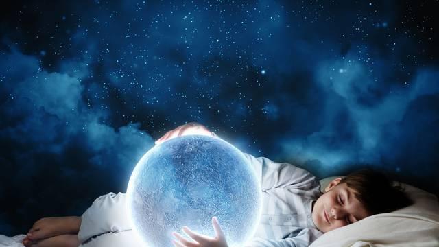 Oni koji ne mogu ući u REM fazu skloni su tjeskobi: Djeca i stariji najviše i najljepše sanjaju...