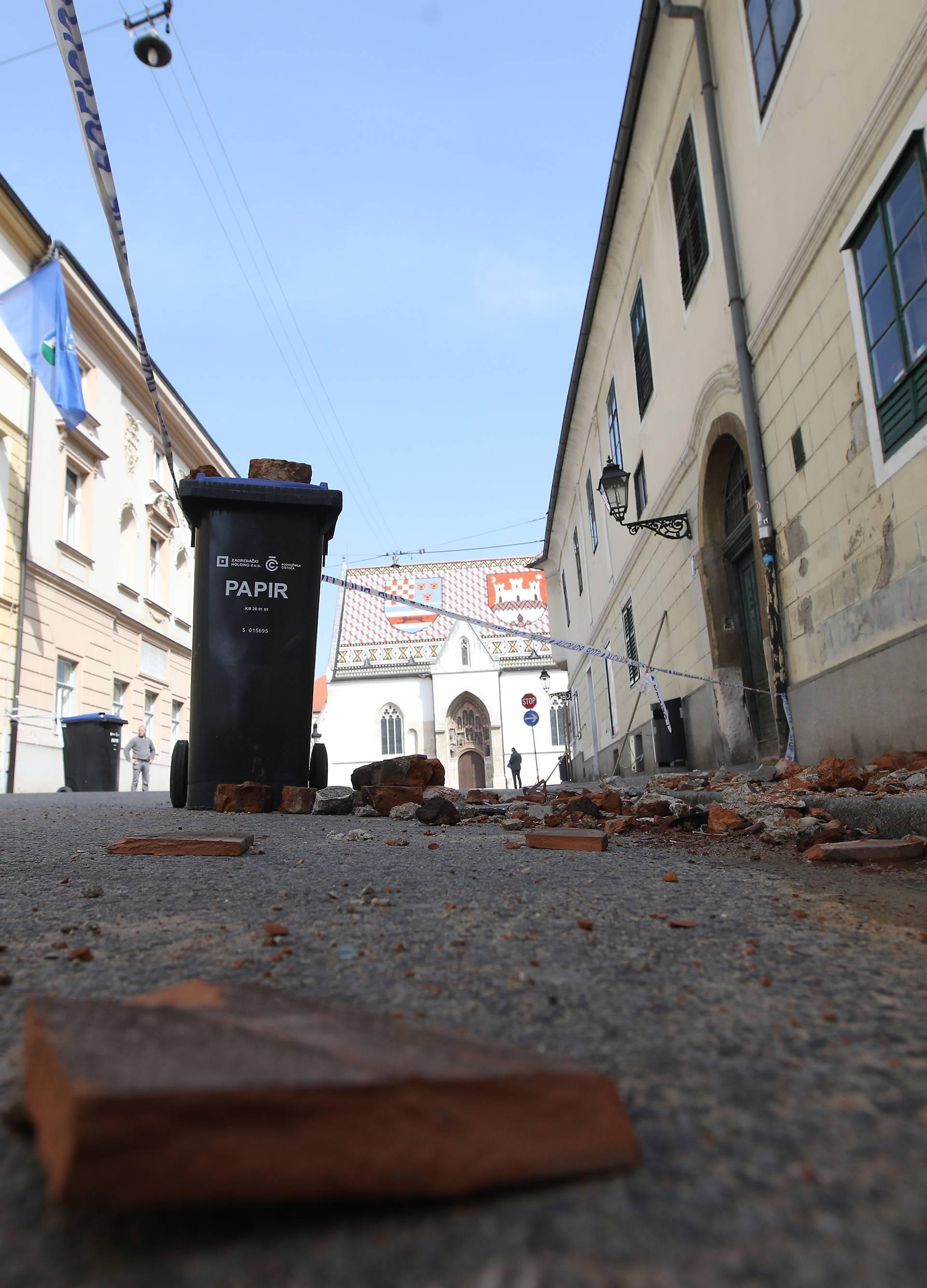 U pustom Zagrebu najviše je radnika koji saniraju krovišta nakon potresa