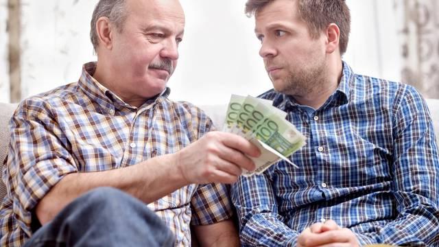 Je li pametno prijateljima i obitelji posuđivati novac?
