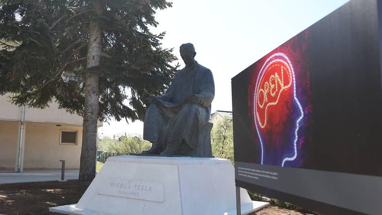 Tesla se vratio u Gospić: Čekali spomenik gotovo 30 godina