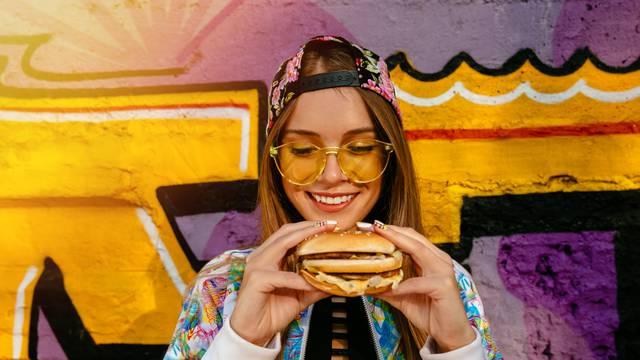 Nemojte jesti kasno: Nije bitno samo što jedete, nego i kada...
