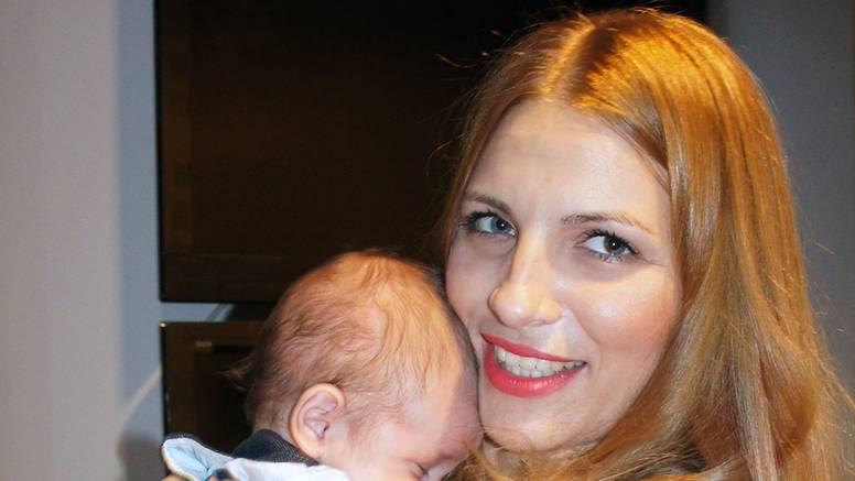 Pukao joj vodenjak pa se sama dovezla u bolnicu roditi sina