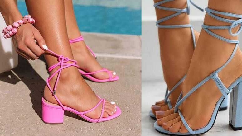 Sandale s tankim remenjem su posvuda: Idealne za dnevne i večernje kreativne stilske igre