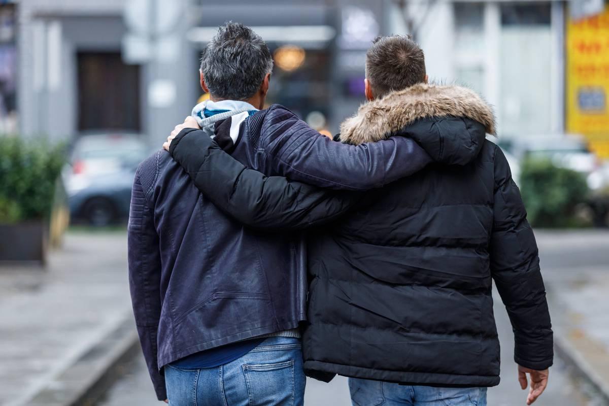 Rijeci gay okupljališta u Zagreb postaje