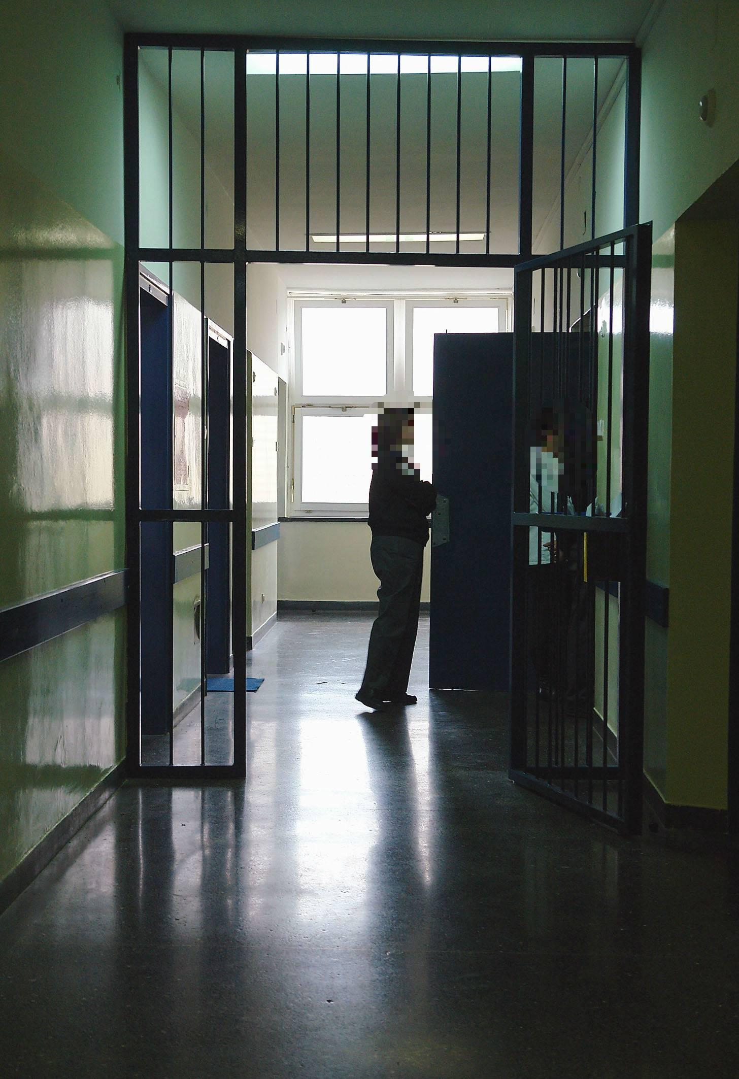 Užas u bolnici: Seksualno je zlostavljao zatvorenika (26)