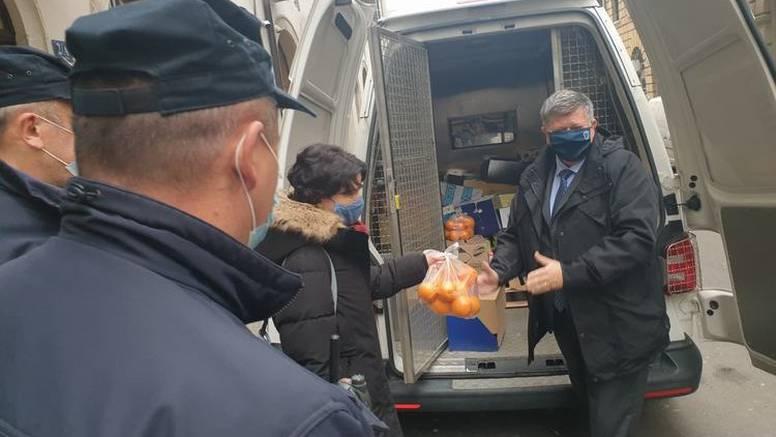 Policajci su za Božić darovali dom za žrtve obiteljskog nasilja