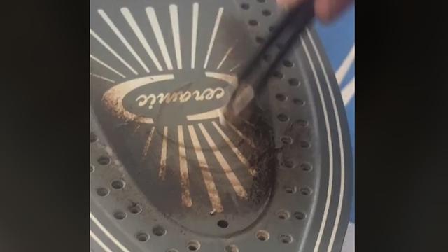 Tata na TikToku podijelio super trik za čišćenje mrlja s pegle