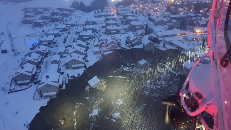 Norveška: U blatu nestale kuće i desetak ljudi, ostale stanovnike mogu izvući samo helikopterom
