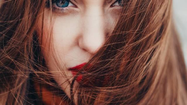 5 romantičnih parfema za kosu