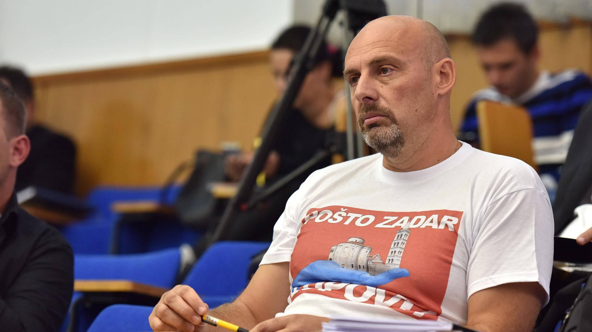 Pretresaju kuću zadarskog vijećnika: Navodno je županu Longinu prijetio na Facebooku