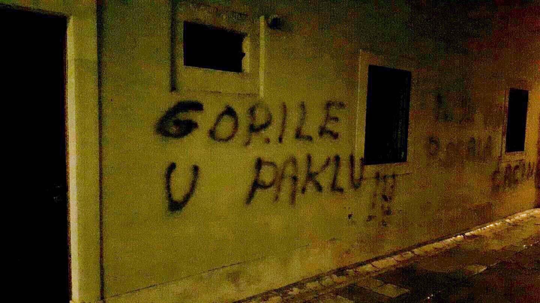 Sramota u Zadru: Zastrašujući grafiti osvanuli na samostanu