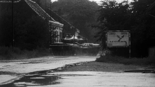 Užarile se linije čim je HV ušao u Knin: 'Sve paničare streljaj! Ima da ubijate ustaše, ne da bježite'