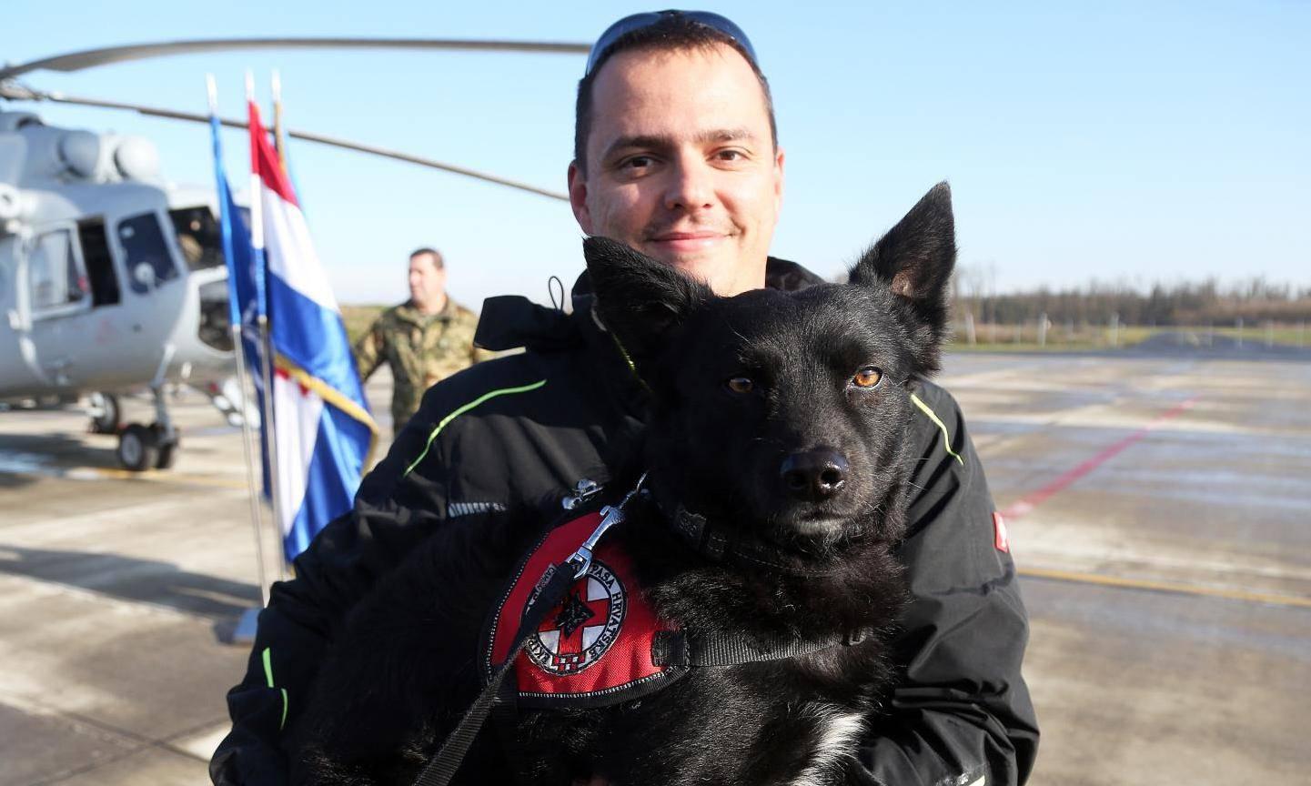 Psi koji su spašavali stradale u Albaniji vratili se u Hrvatsku
