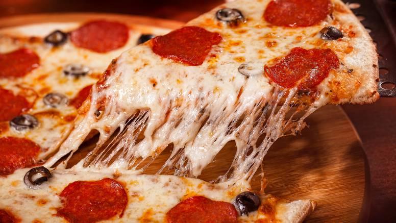 Pizza od starog kruha: Odlična ideja za brzinsku finu večeru