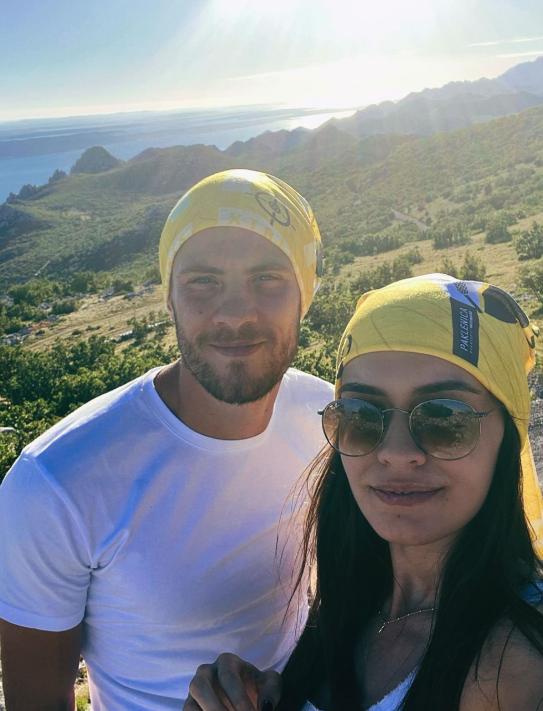 Kramarić i Mia na ljetnoj turneji Dalmacijom... Godišnji iz snova!