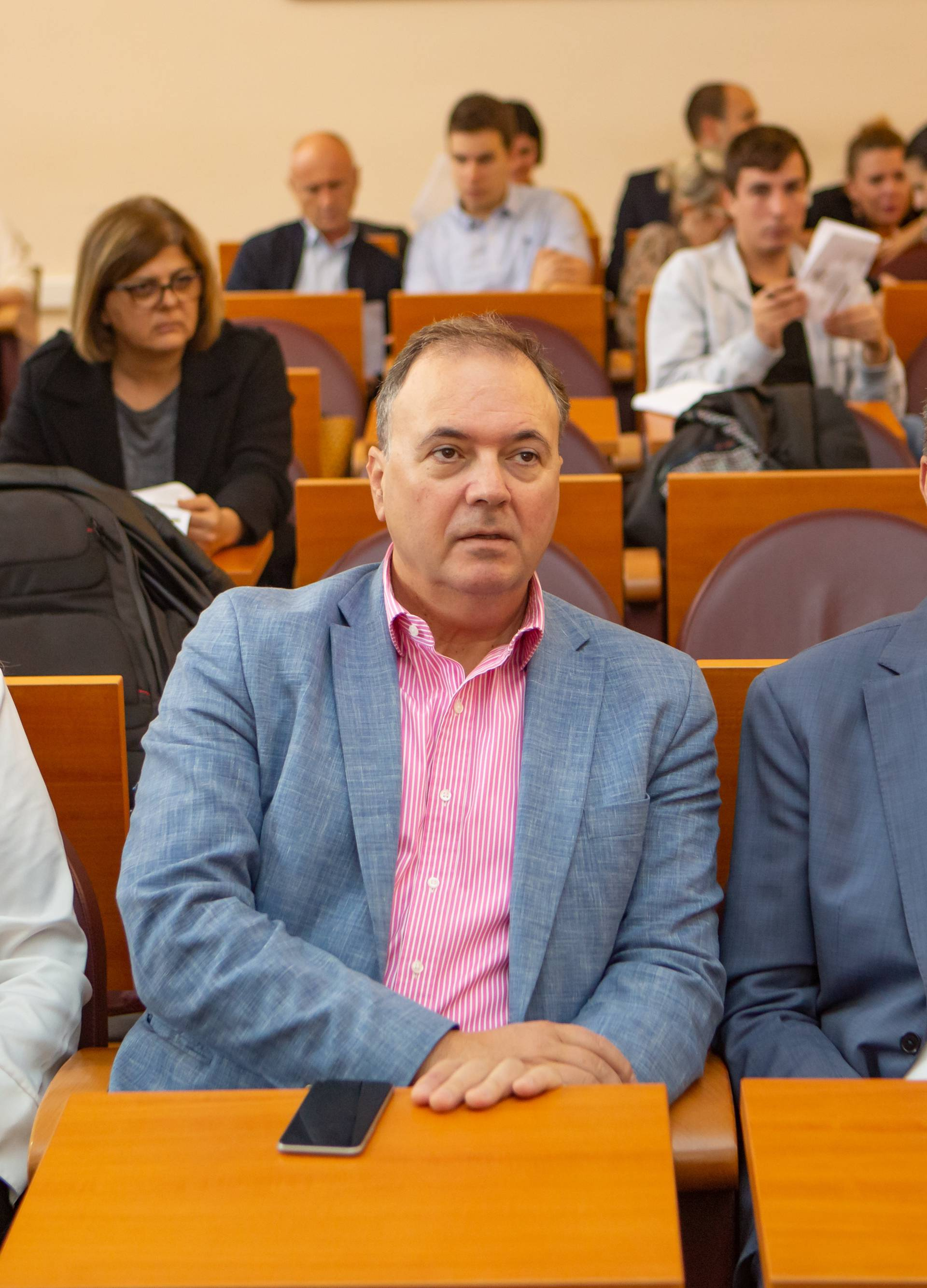 Dubrovački gradonačelnik suspendirao svoju zamjenicu