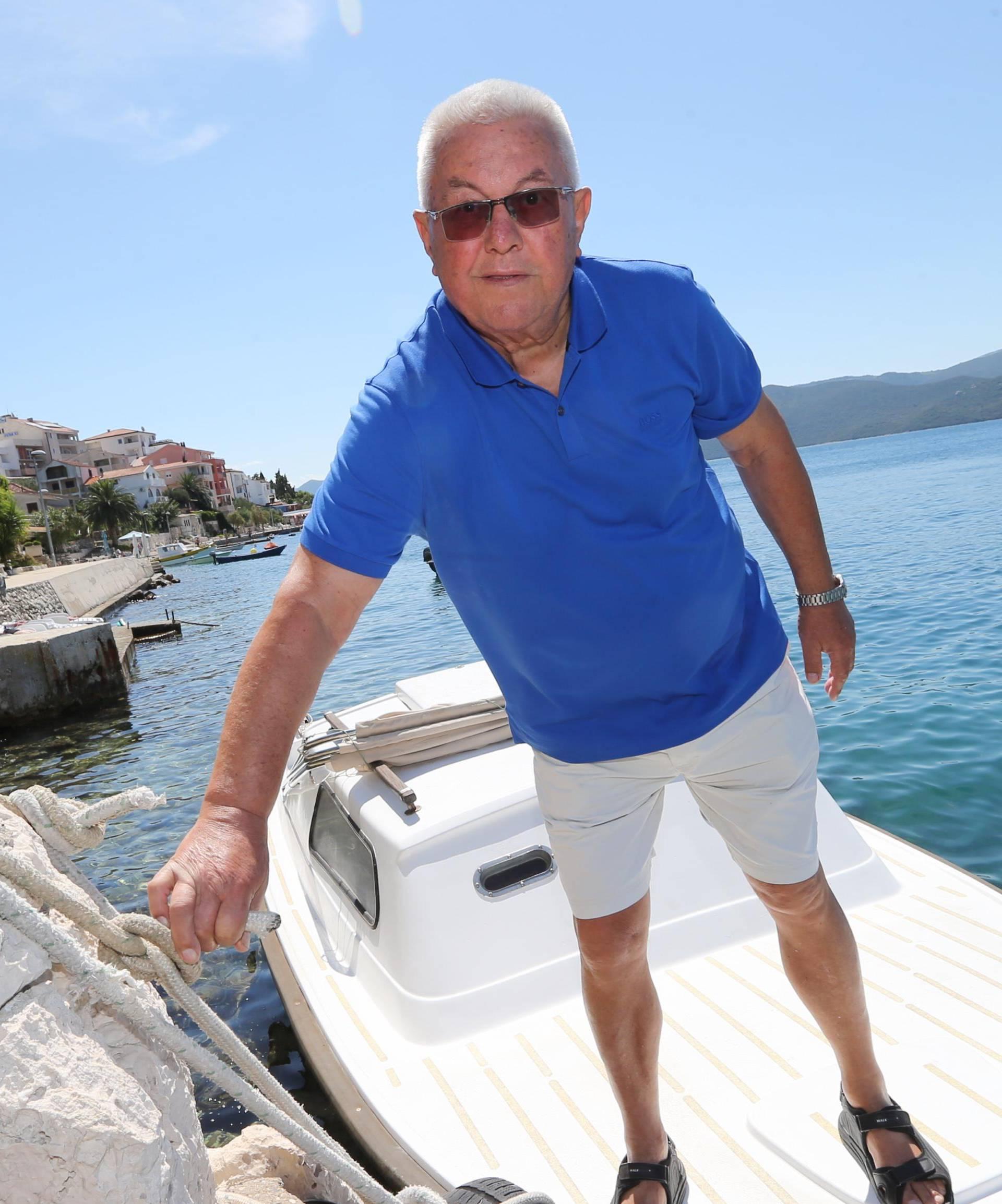 'Pljačkali su Hrvatsku, a mirno spavaju jer je Ivo u zatvoru...'